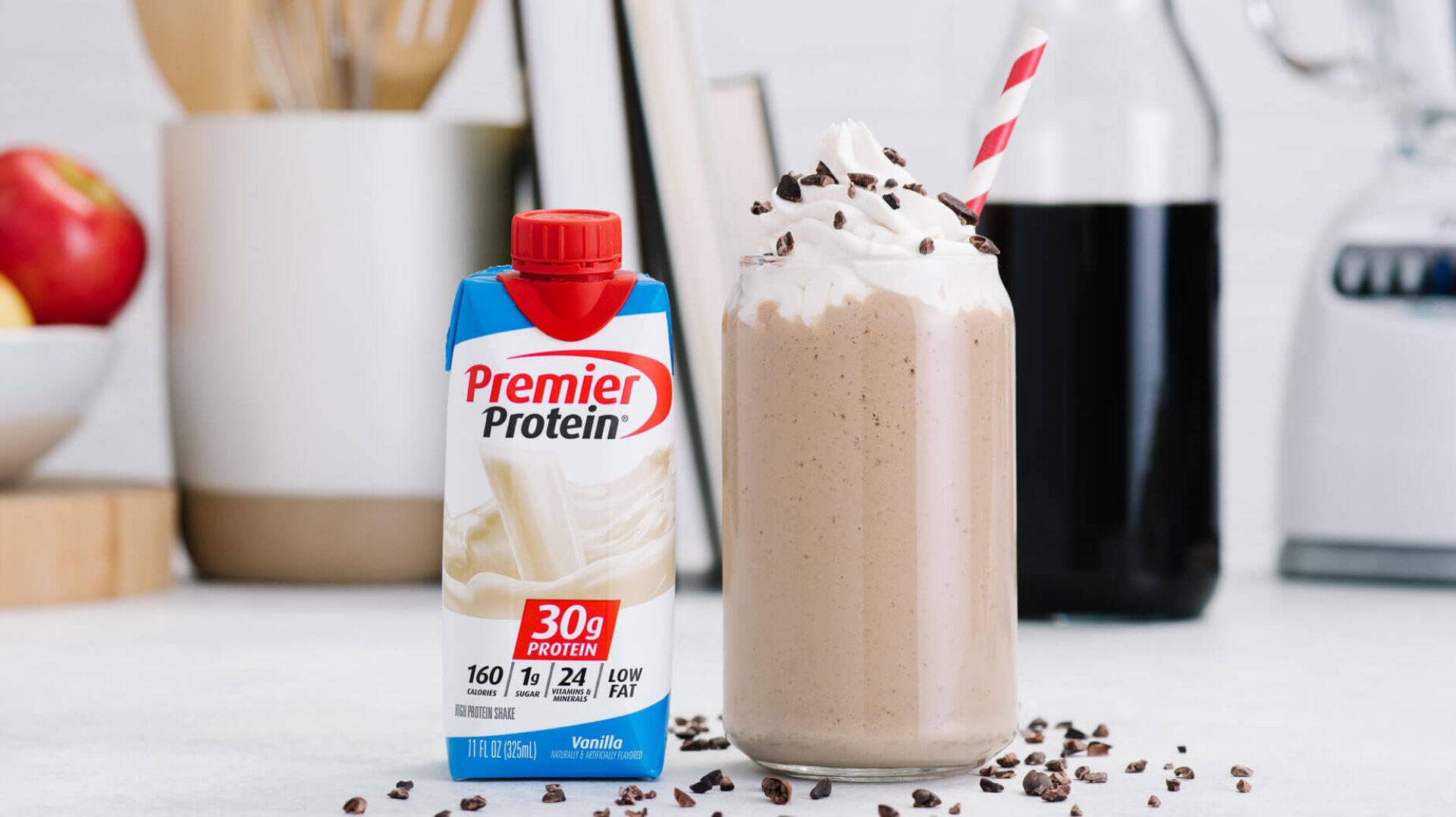 7024 Q4 Premier July Social Recipe Coffee Shake WEB tetra